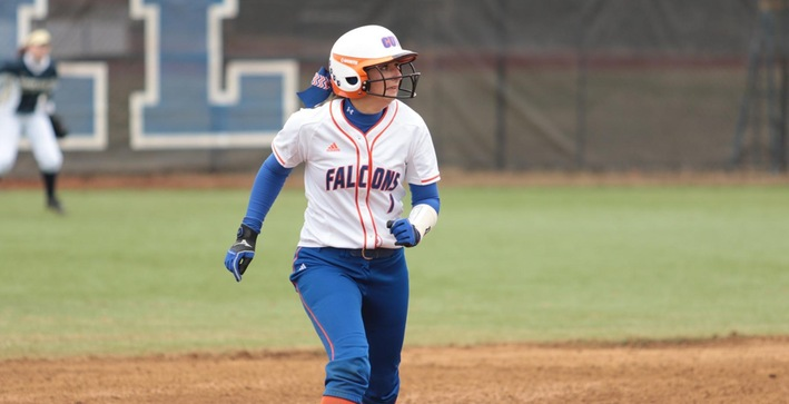 Softball completes perfect weekend by sweeping MSOE