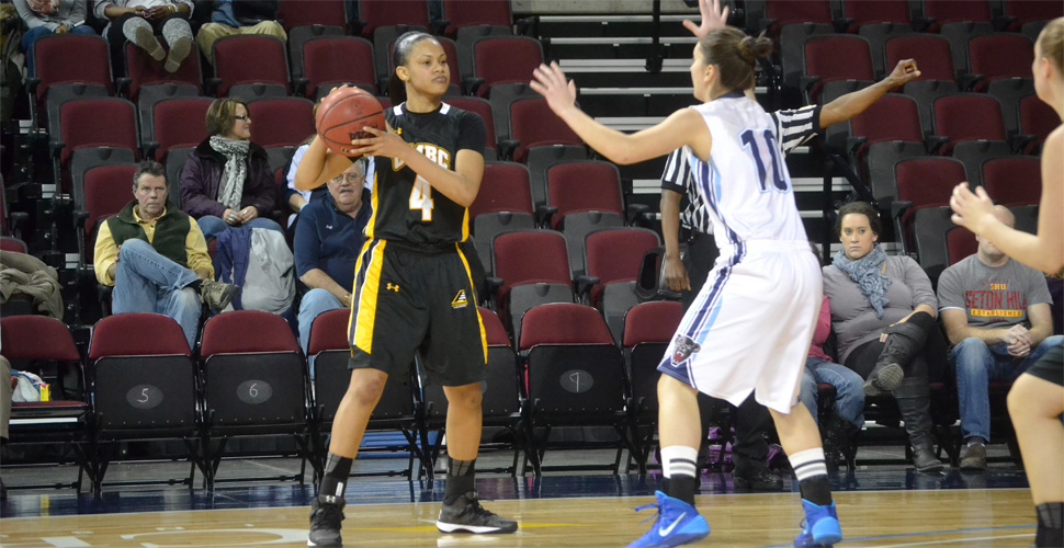 Women's Basketball Falls at Maine, 68-39