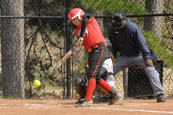 Huntingdon softball opens conference play with sweep