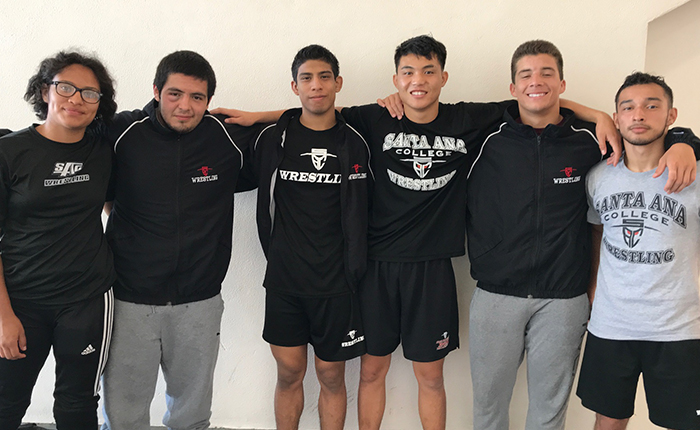 Three Dons Go Undefeated at Bakersfield Duals