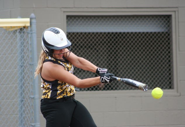 MCC softball splits with Corning