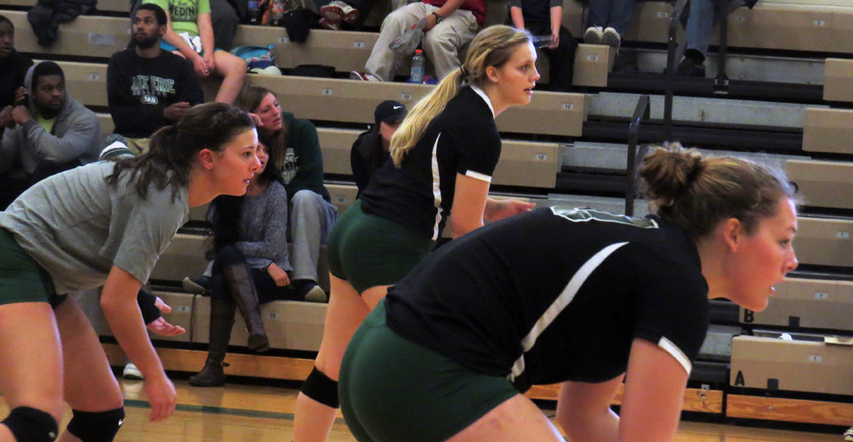 Storm Volleyball Falls to #21 Grand Valley