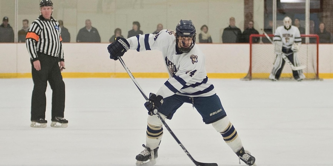 Wentworth Sneaks Past Men's Hockey, 2-1