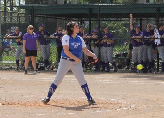 Softball Splits with Yale