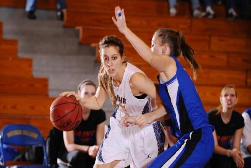 Lady Royals Eventually Put Away Courageous Gophers
