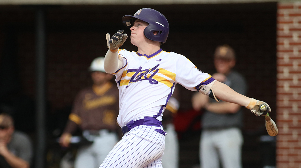 Golden Eagles rally twice for 10th-inning, walk-off victory over in-state foe Middle Tennessee