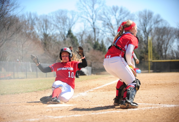 Softball Takes One of Two from Washington College