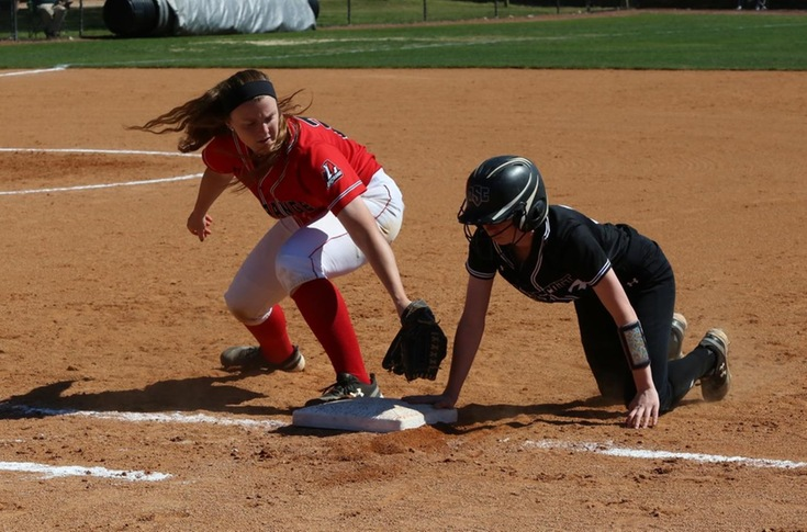 Softball: Panthers even USA South record with sweep of Wesleyan