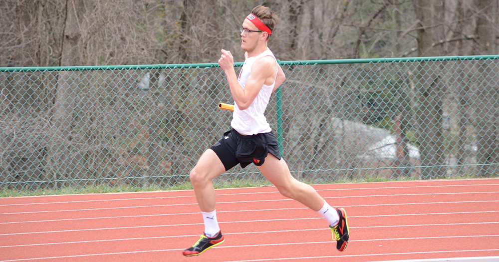 Cardinals Put Up Strong Times at Messiah Invite