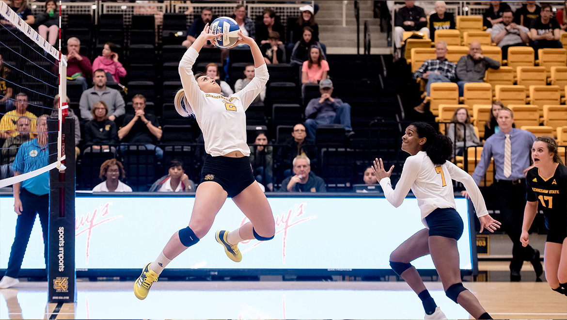 Owls Sweep Highlanders to Improve to 9-2 in @ASUNVolleyball Action