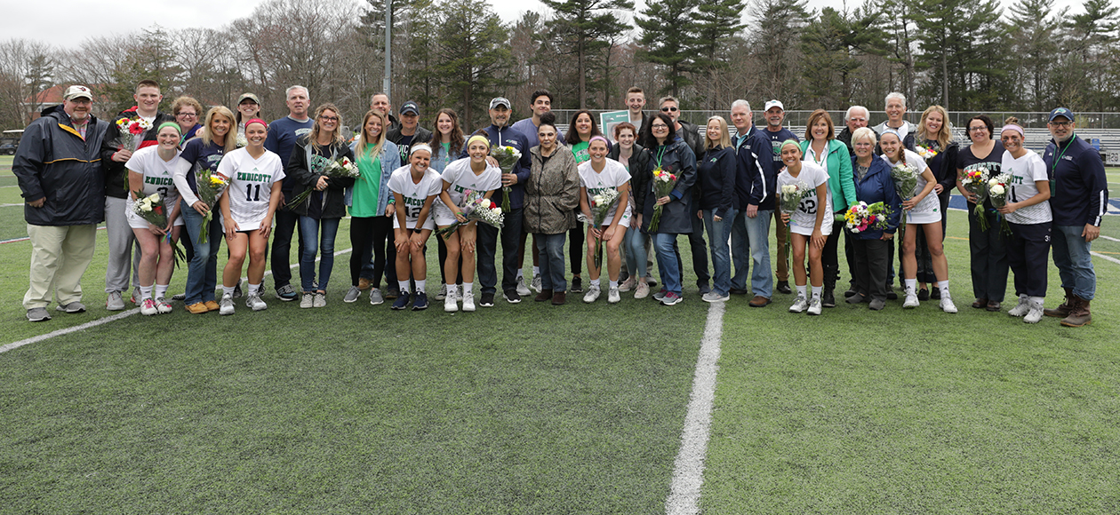 Endicott women's lacrosse seniors with their families