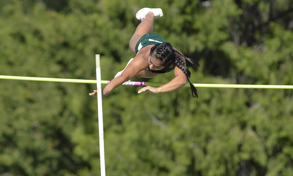 CARBULLIDO LEADS TRIO AT POLE VAULT SUMMIT