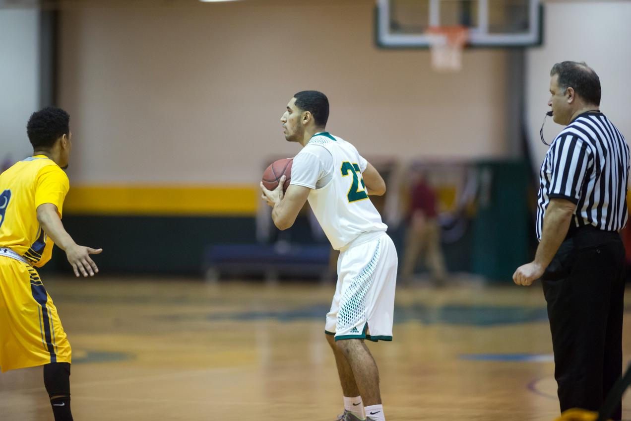 Fitchburg State Sinks Vikings, 81-69