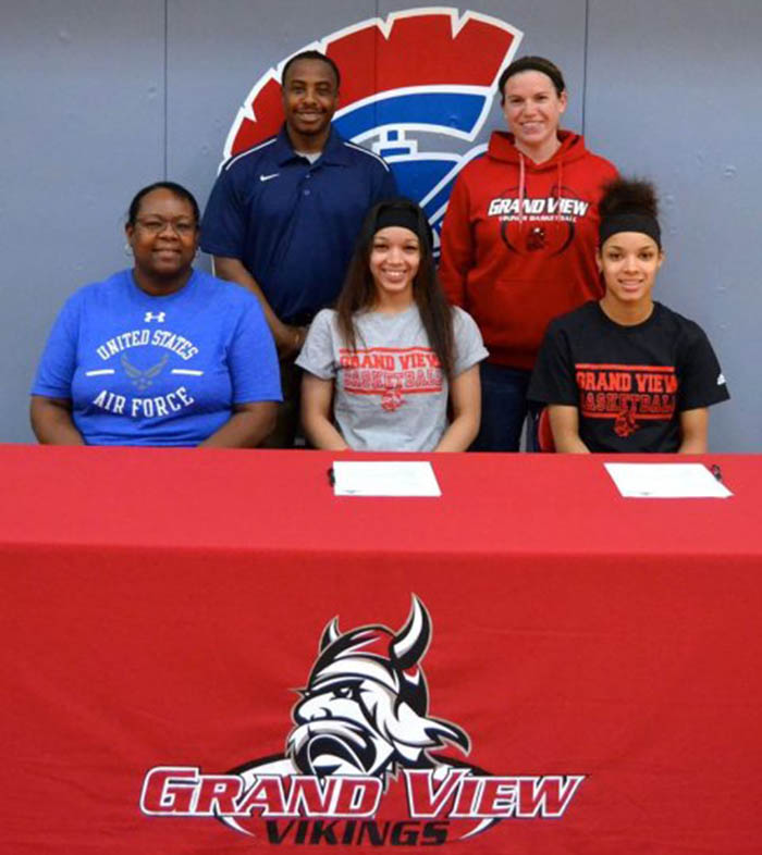 Carter Twins to Continue Playing at Grand View University