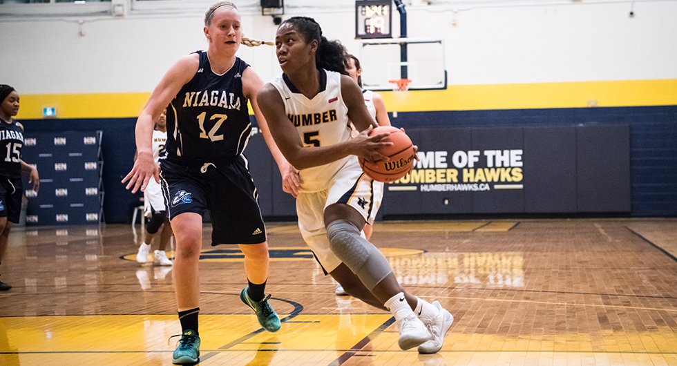No. 1 WOMEN'S BASKETBALL TOP NIAGARA, 77-48
