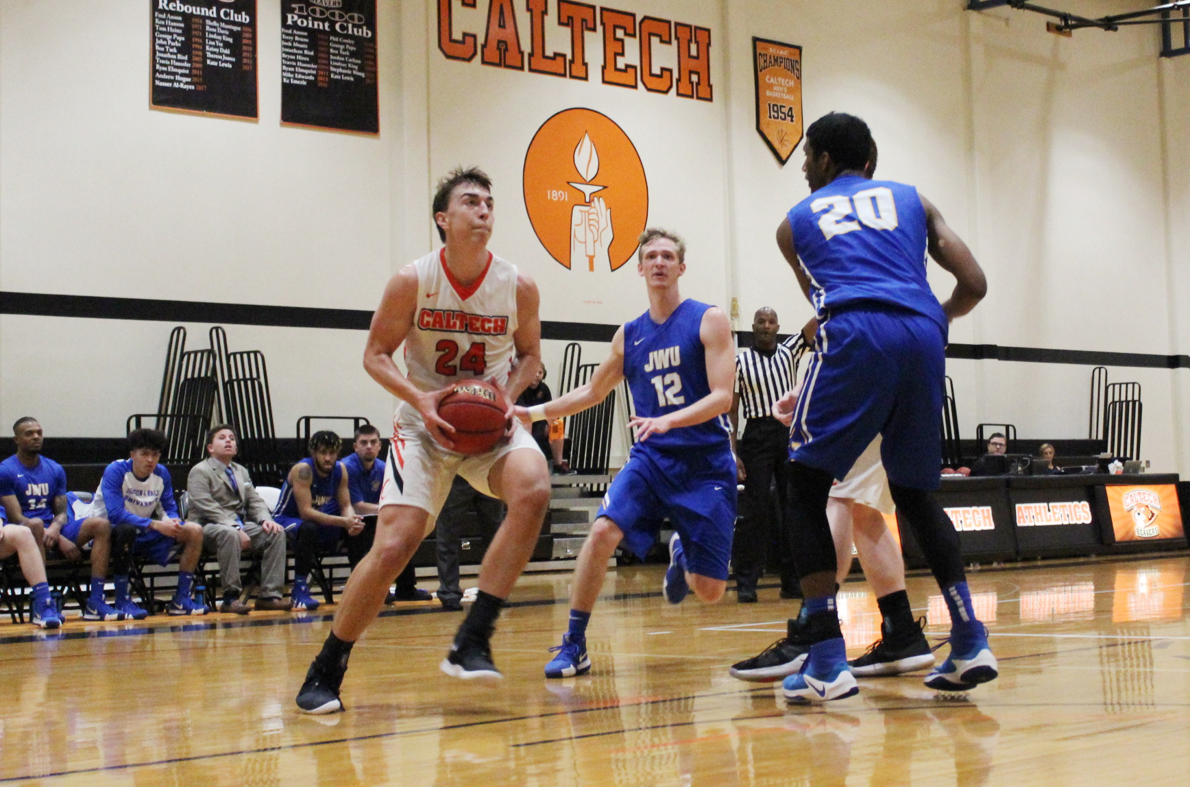 Men's Basketball Outlasts Principia in OT Spectacular