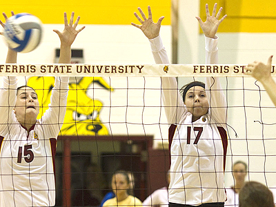 Ferris Volleyball Sweeps Past Southern Indiana