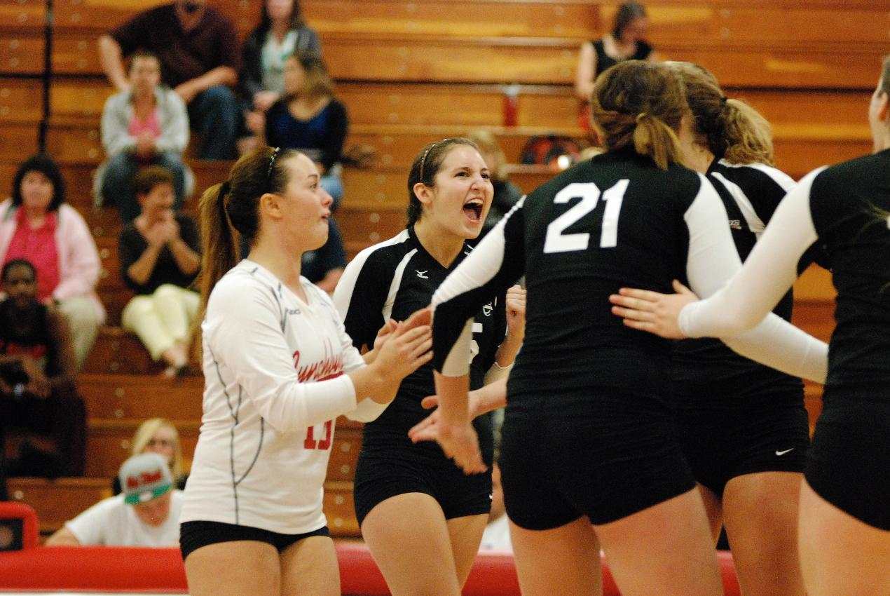LC Volleyball Sweeps Bridgewater in Three