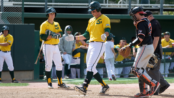 AFTER MONDAY WIN BASEBALL DROPS SECOND GAME VS. #4 OREGON STATE, 8-1