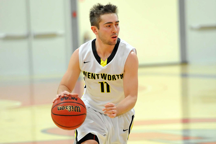 Men's Basketball Falls in Season Opener