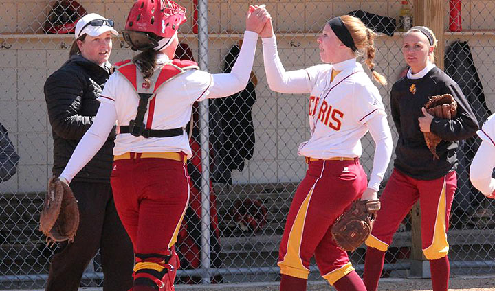 Bulldog Softball Comes Up Short In Two Close Games At GVSU