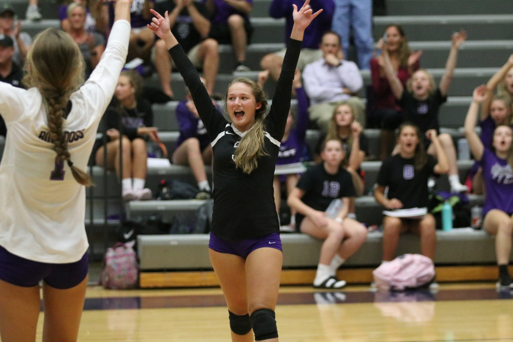 Volleyball Beats Cardinal Ritter