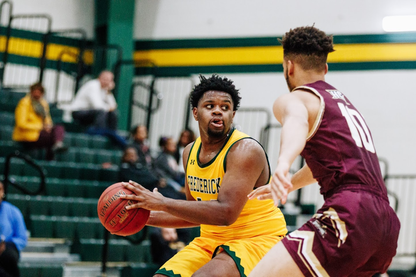 Men's basketball pulls off nail-biter win over CSM