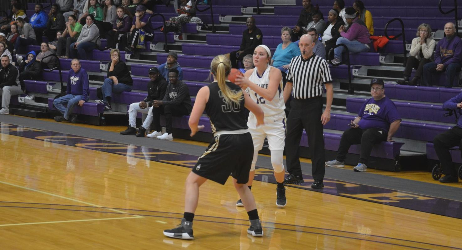 Strong First Half Lifts Yellow Jackets Past Manchester in HCAC Action