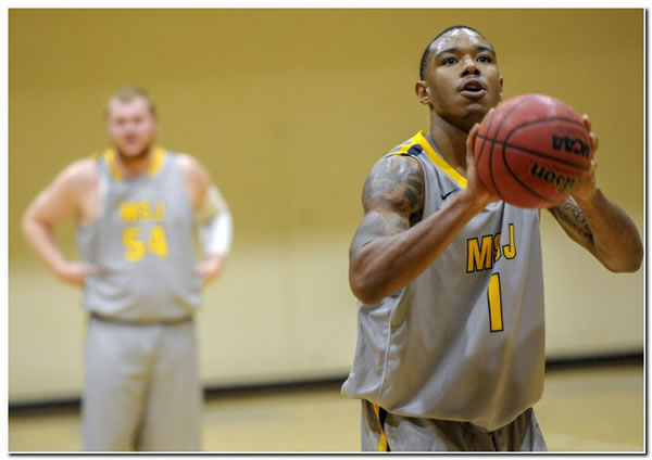 Lions' men's basketball team suffers a 76-71 loss at Franklin College