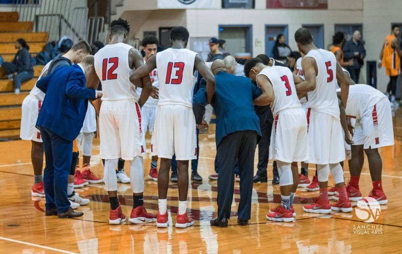 Men's Basketball Receives CACC Sportsmanship Award