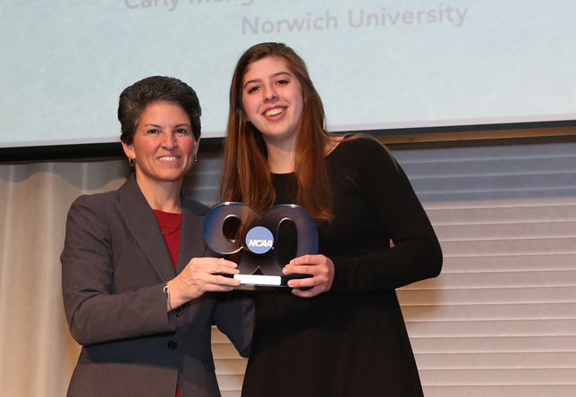 Carly Menges wins Elite 90 award at NCAA Division III Women's Ice Hockey banquet.
