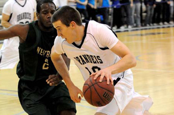 Bartoldus's 20 leads No. 21 Brandeis men past Chicago, 59-53