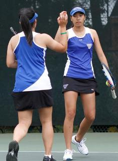 Lee Wins Twice as Blue Tennis Hangs Tough with #1 Williams