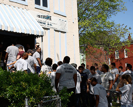 GU student-athletes enter STRIVE DC to do community service.