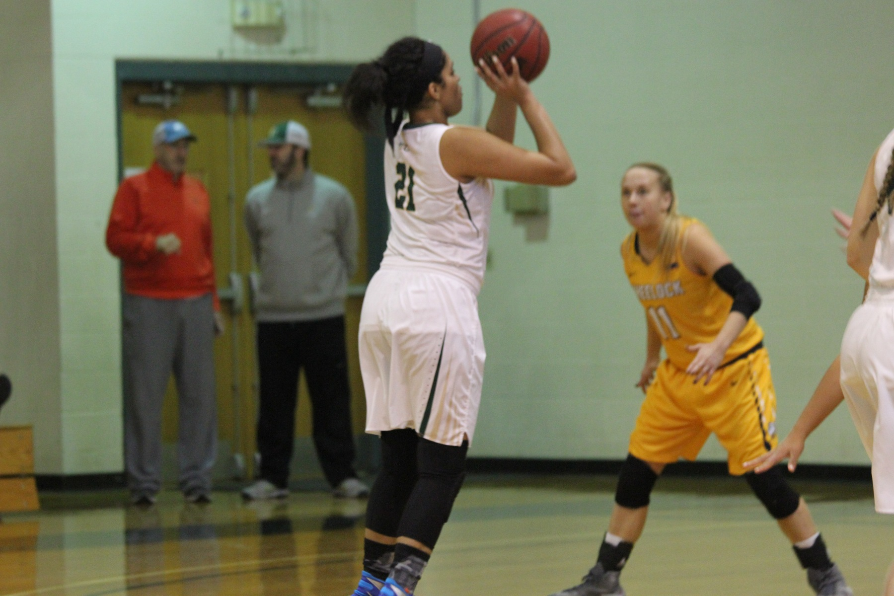 Women's Basketball Cruises Past Wheelock