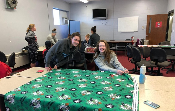 "ENC Student-Athlete Advisory Committee Crafts Blankets for ""Bags of Hope"""