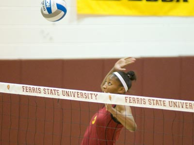 Arielle Goodson led the team with 13 kills and hit for a .440 percentage.