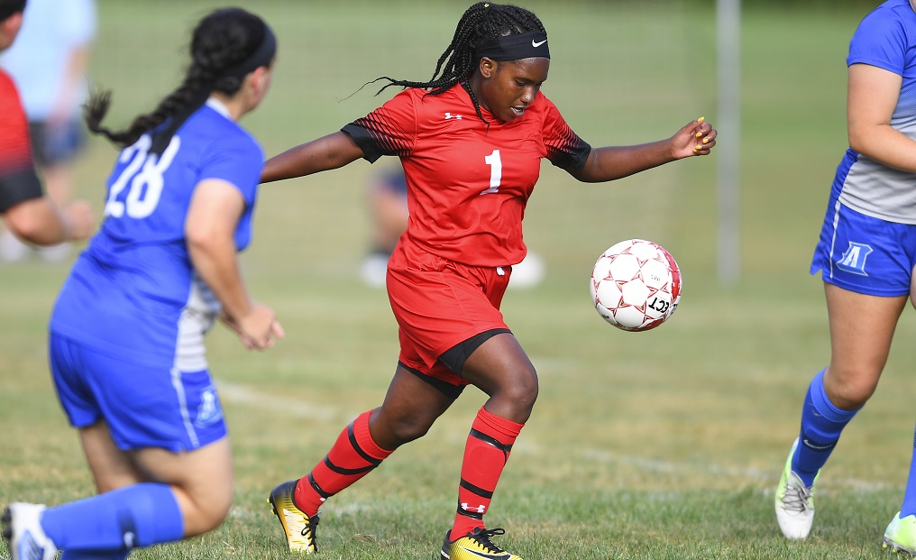 Women's Soccer Tripped Up at Old Westbury