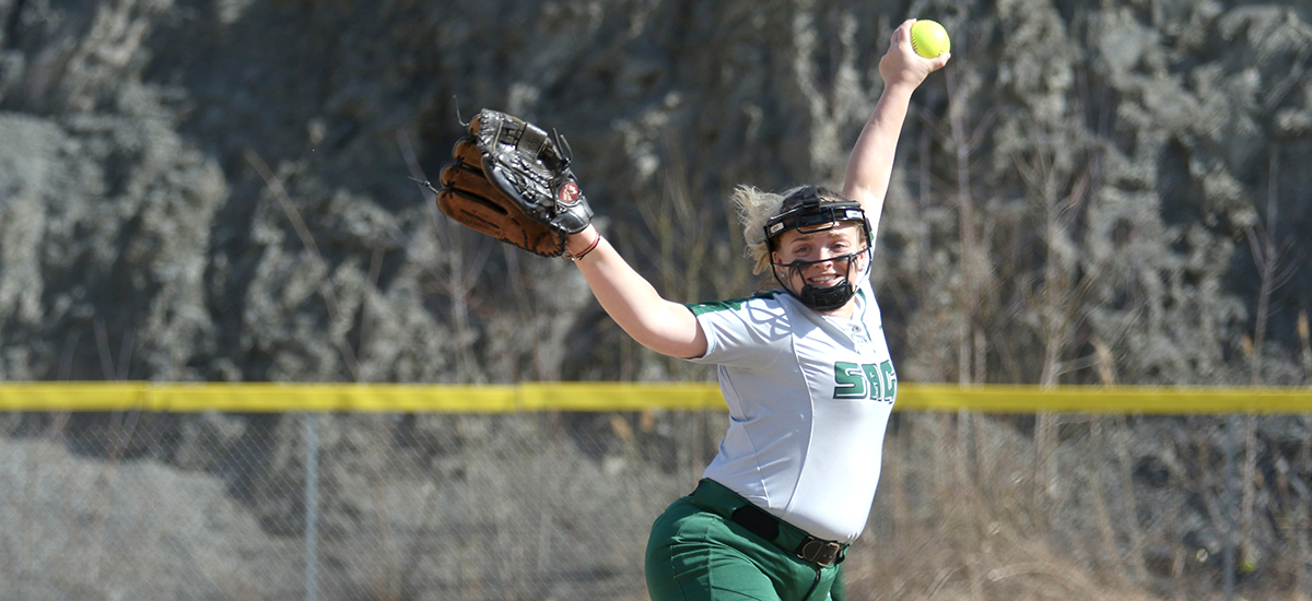 Softball splits with Skidmore on Wednesday