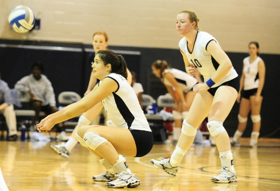 UMW Volleyball Tops Mary Baldwin, Stevenson at EMU Invite