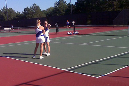 Women's Tennis Wins Third Straight