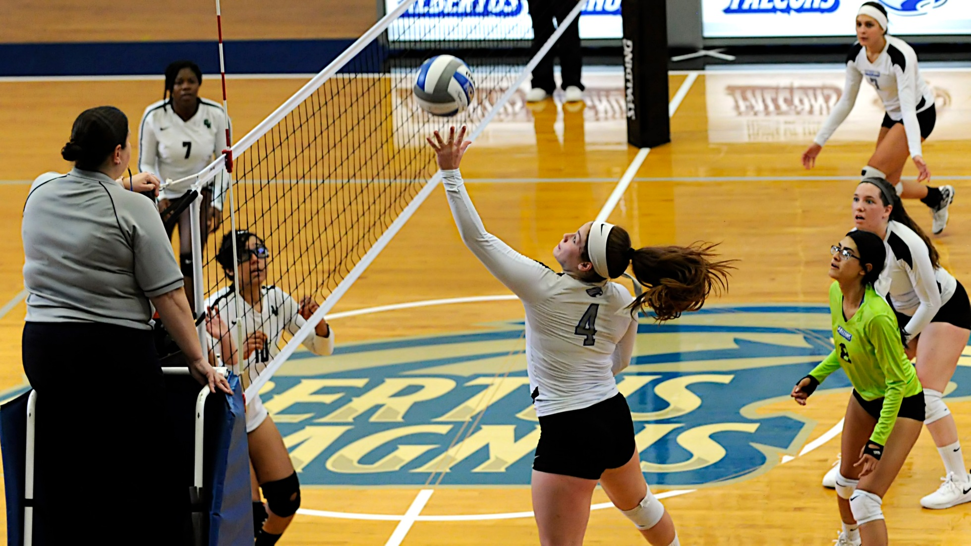 Women's Volleyball Drops a Pair of GNAC Matches