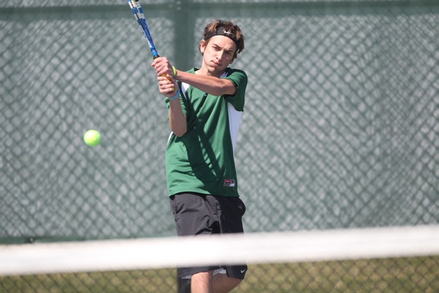 Men's Tennis Shuts Out Bard in Home Opener