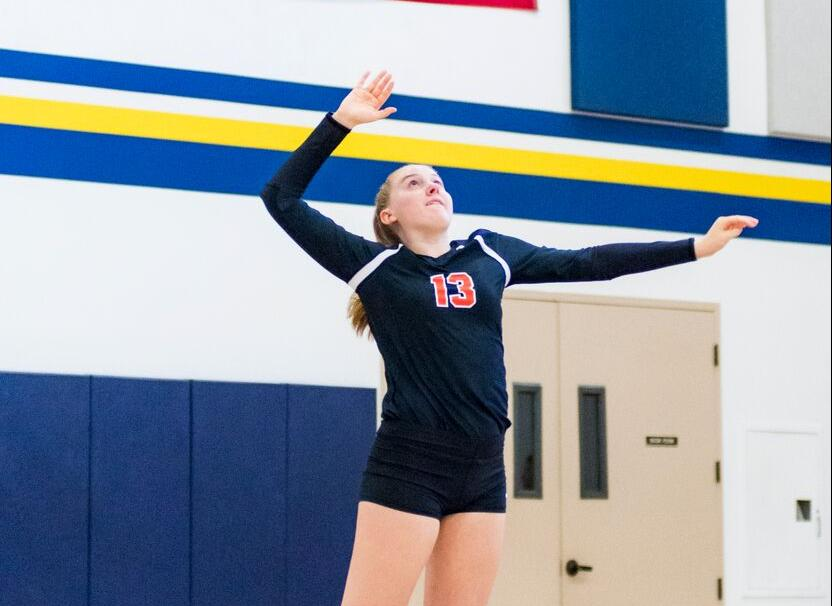 Volleyball Pushes Sagehens in Third Set