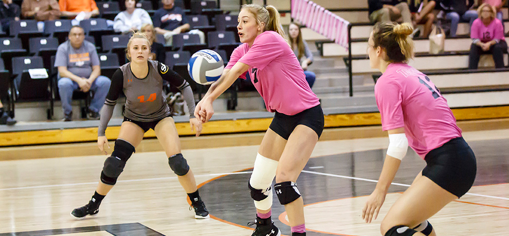 Born paces Pioneers to 3-0 sweep over Catawba and third straight win