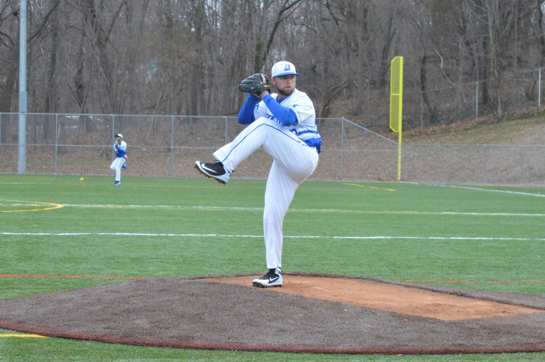 Falcons Swept by Saint Joseph's (Me.) in Conference Doubleheader