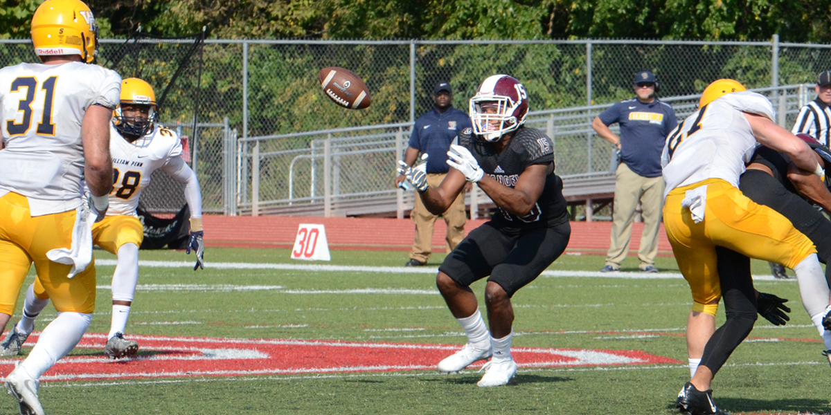 Football Unable to Complete Comeback in 25-20 Setback vs William Penn