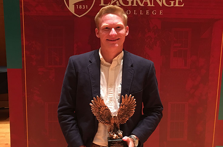 Men's Tennis: John Mitchell Benton receives athletic department's Eagle Award