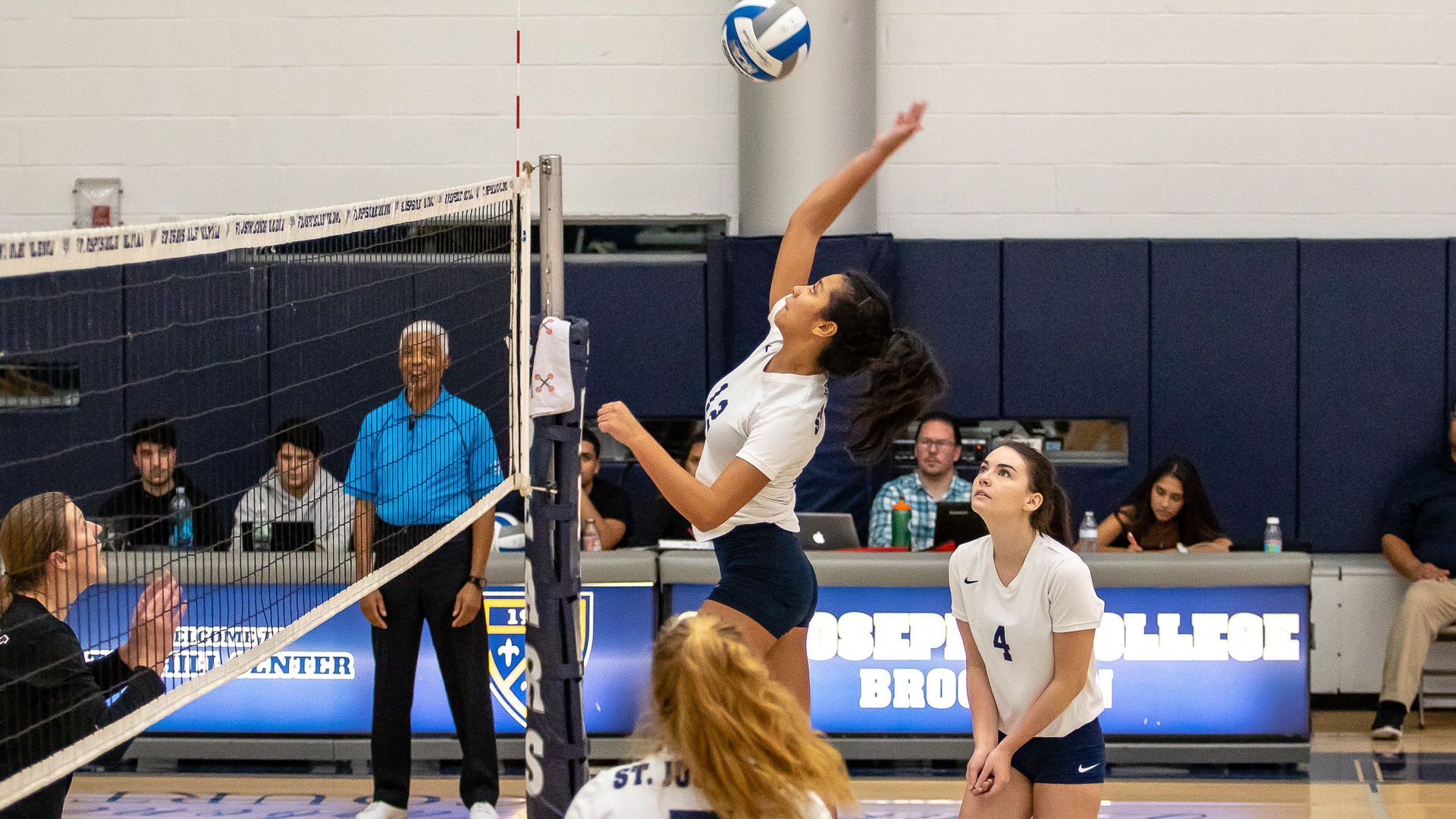 Women's Volleyball Escapes with Five-Set Win Over Lehman in Home Finale