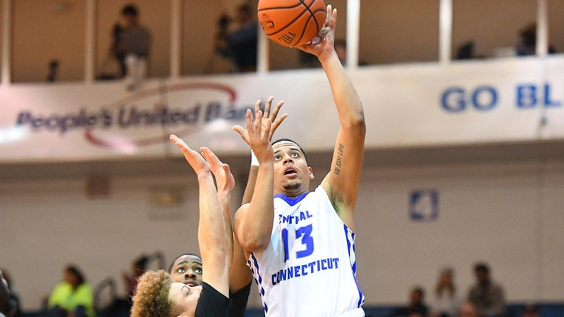 Men's Basketball Falls Late at Wagner, 63-57